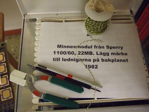 Minnesmodul och  backplaneverktyg