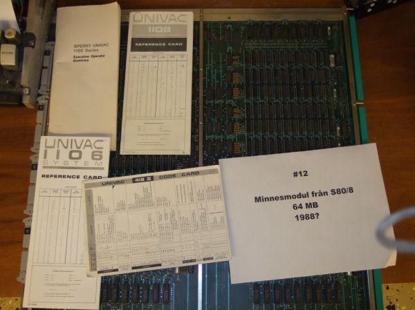 Codekort samt ett minneskort från Sperry S80-8